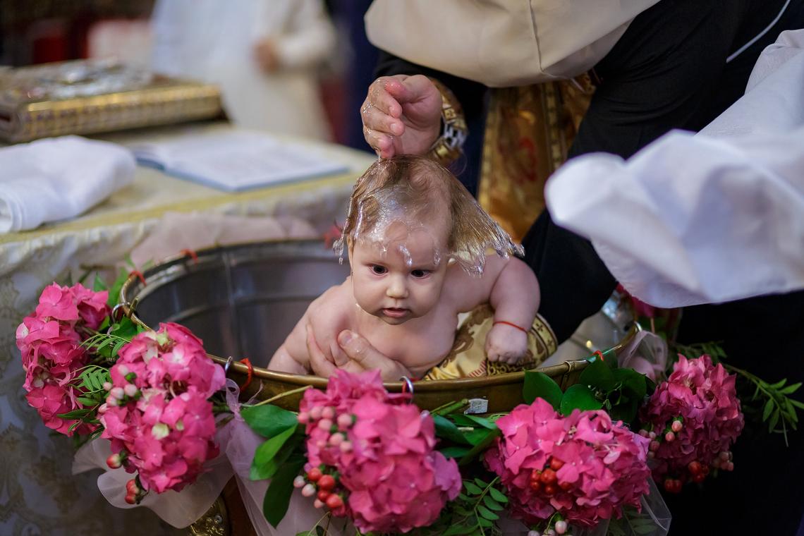 fotograf-botez-sedinta-foto-biserica-petrecere-bucuresti-portofoliu-1-1
