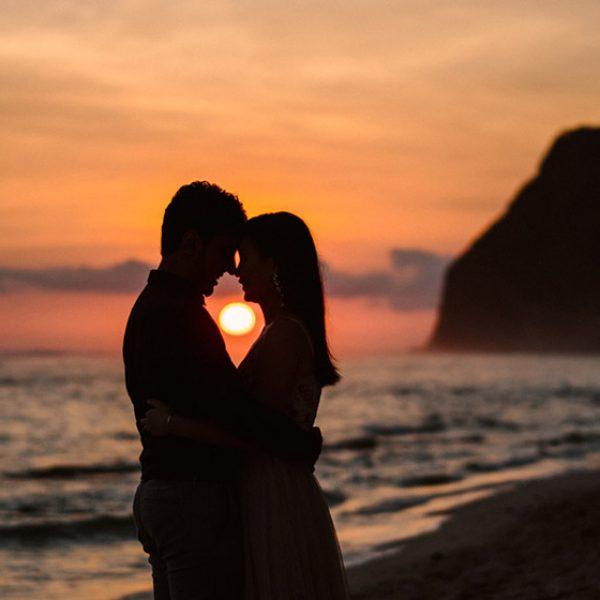 sunset-bali-engagement-photoshoot