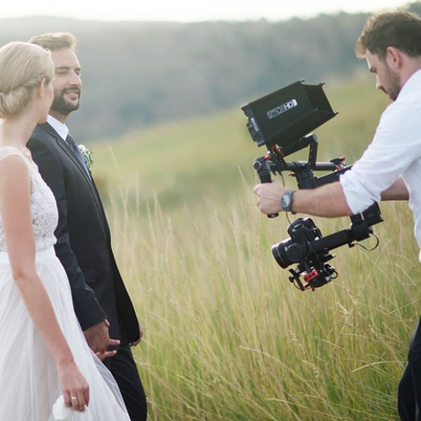weddingvideographyschool-must-ask-questions-wedding-videographer